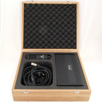 Wooden box for tube mics with PSU